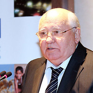 Gorbachev opens ISO forum on standards for vehicle of the future