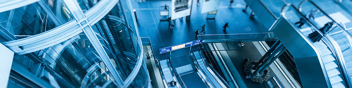 Less nerves when taking the lift, escalator or moving walk - thanks to ISO standard